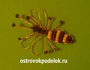 Пчела из бисера