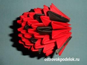 """""""Божья коровка"""" в технике модульное оригами"""