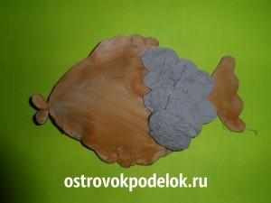 Рыбка из лотков для яиц