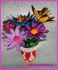 Цветы из лотков для яиц