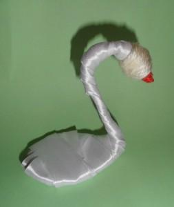 Лебедь в технике Цумами Канзаши