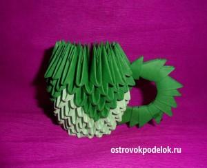 Чашка в технике модульное оригами.