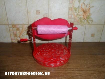 Подарок на 1 апреля: губозакаточная машинка