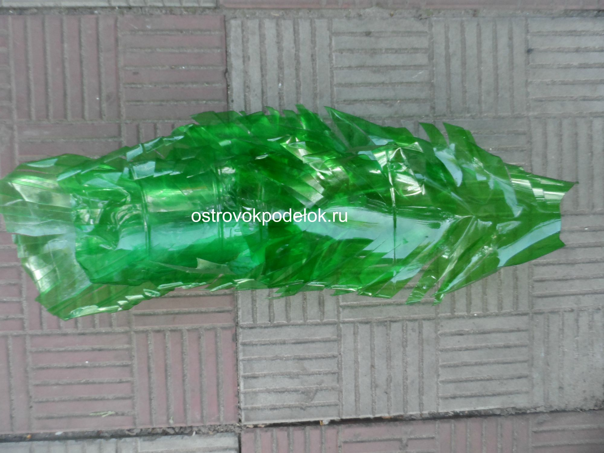 Поделки из пластиковых коричневых бутылок 191