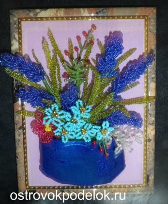 Картина с цветами из бисера