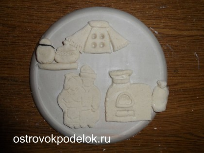 Декоративная тарелочка « Дед и баба у печи»