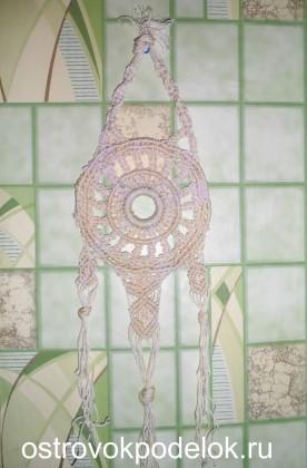 Декоративная подвеска в технике макраме