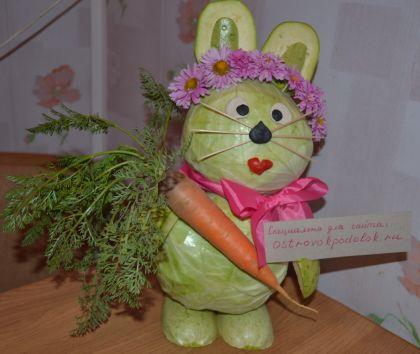 Конкурсная работа: зайчик из овощей